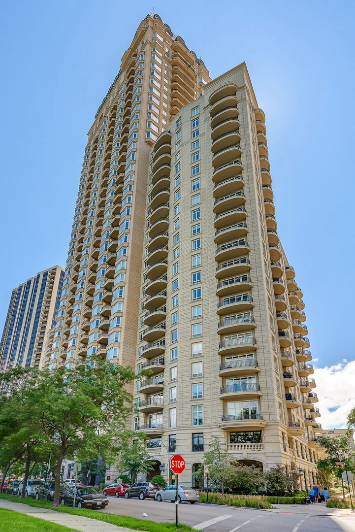 2550 North LAKEVIEW Avenue, Chicago-Near West Side, Illinois