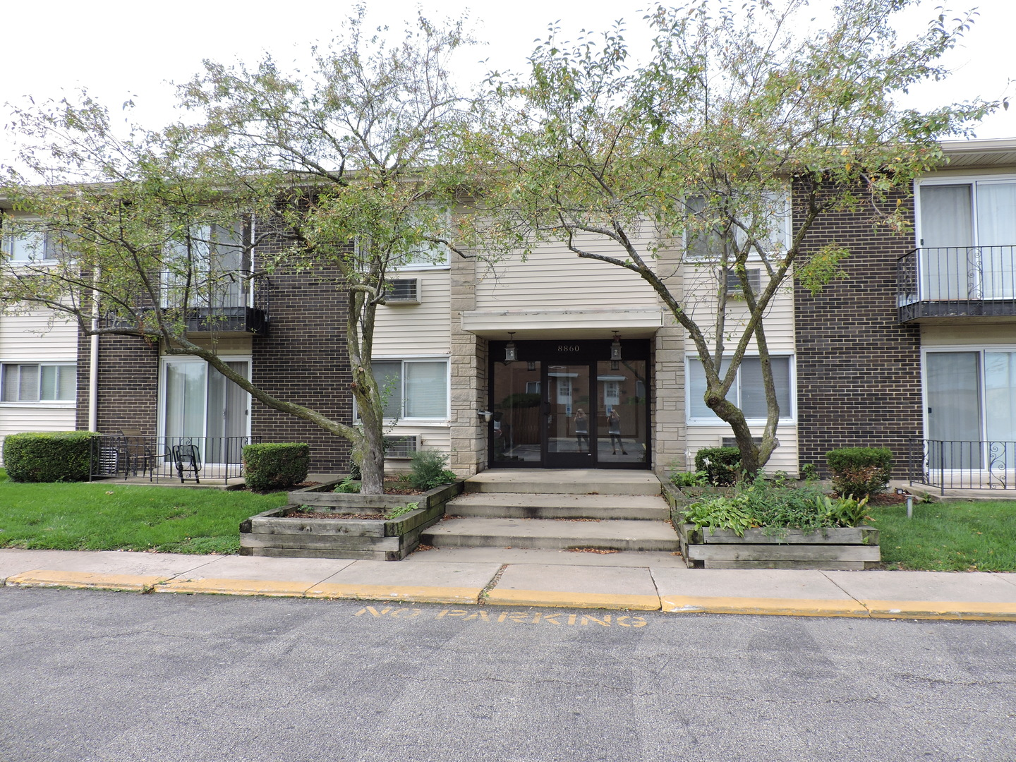 8860 North Western Avenue, Des Plaines in Cook County, IL 60016 Home for Sale