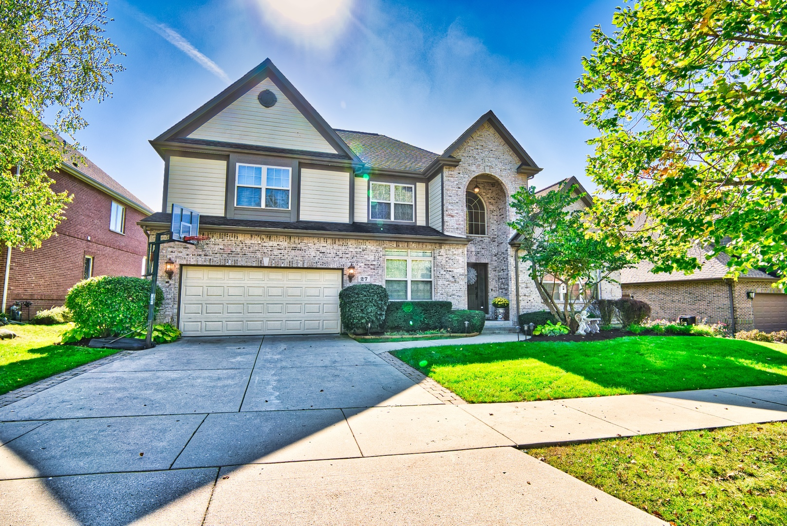 27 East Warson Court, one of homes for sale in Vernon Hills