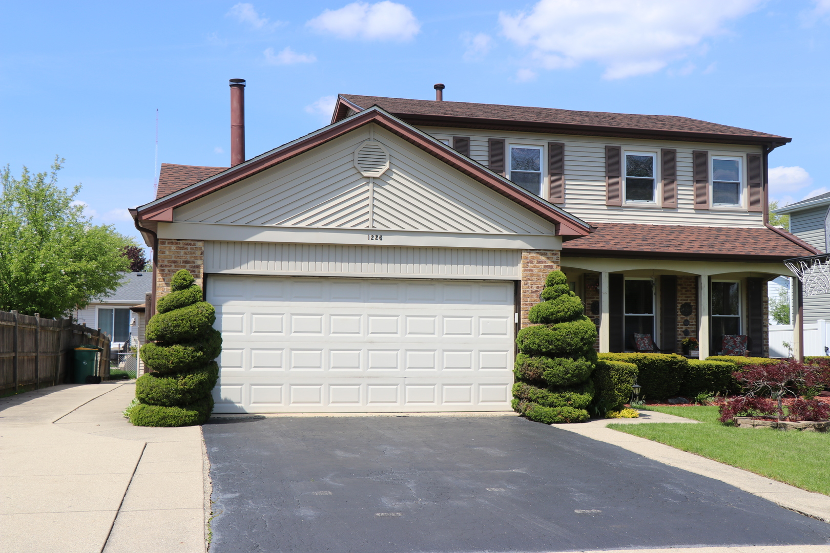 1226 Robin Drive, Elk Grove Village, Illinois 3 Bedroom as one of Homes & Land Real Estate