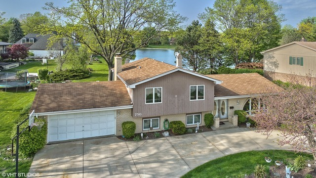750 Winston Drive, Elk Grove Village, Illinois 4 Bedroom as one of Homes & Land Real Estate