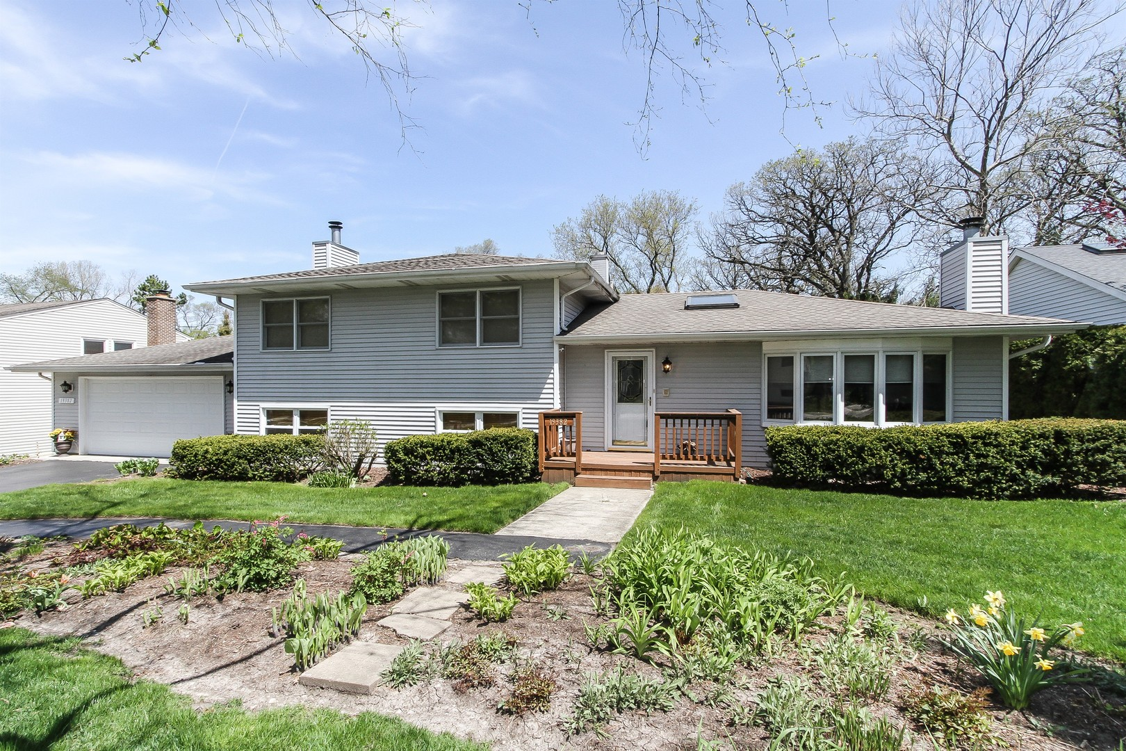 19382 West Prospect Drive, Mundelein in Lake County, IL 60060 Home for Sale