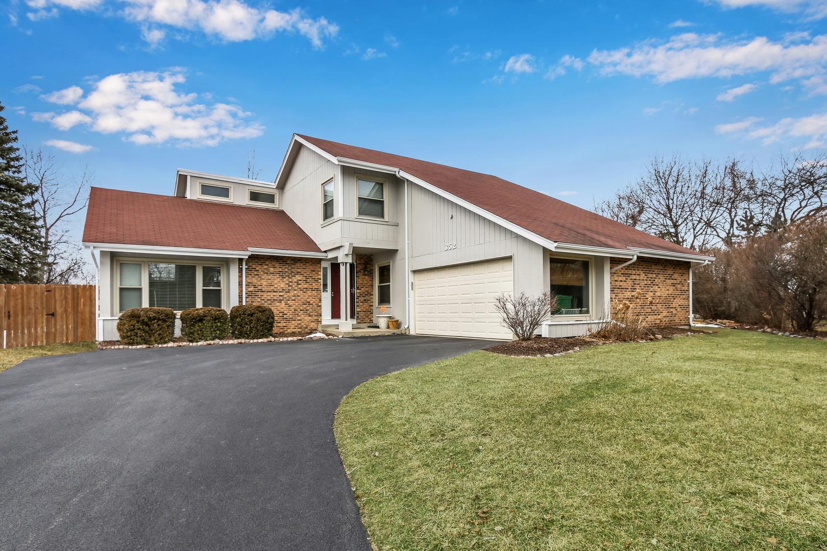 352 White Oak Court, Gurnee, Illinois