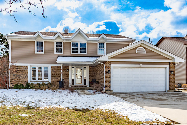 545 Northport Drive, Elk Grove Village, Illinois 4 Bedroom as one of Homes & Land Real Estate