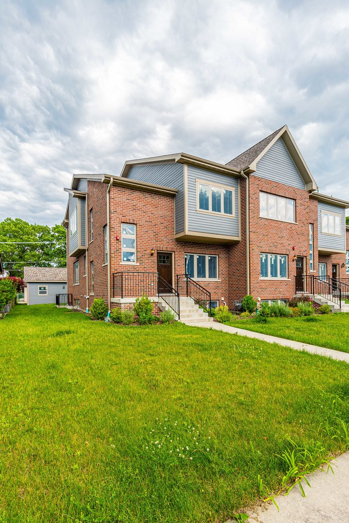 8649 CALLIE Avenue, Morton Grove, Illinois