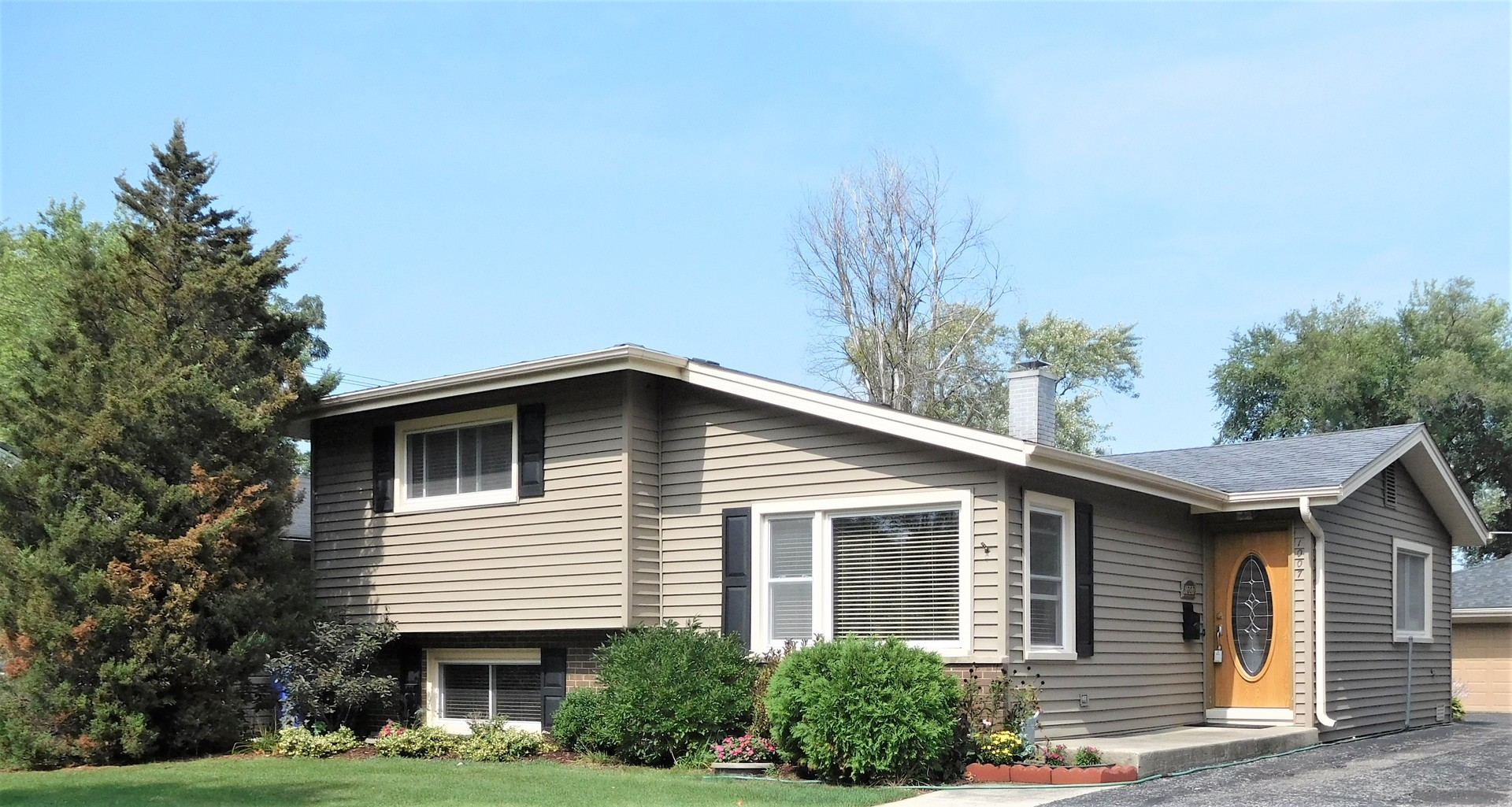 One of Wheaton 3 Bedroom Homes for Sale at 1007 Wilson Avenue