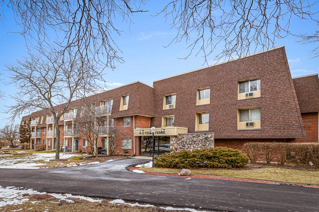 3 VILLA VERDE Drive, Buffalo Grove in Cook County, IL 60089 Home for Sale
