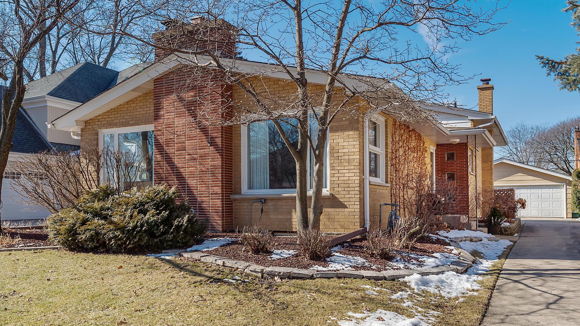 1014 South Waiola Avenue, La Grange, Illinois