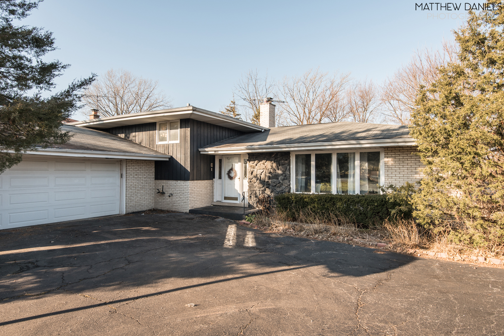 One of Palos Heights 3 Bedroom Homes for Sale at 7700 West 131st Street