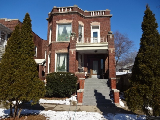 1506 West Thome Avenue, Edgewater, Illinois