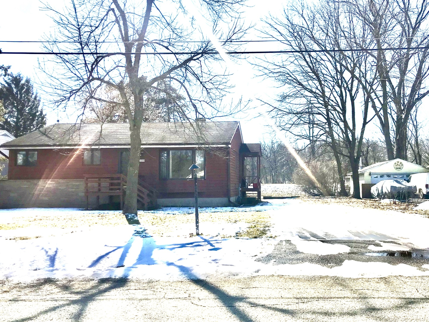 16359 West Des Plaines Drive, Libertyville in Lake County, IL 60048 Home for Sale
