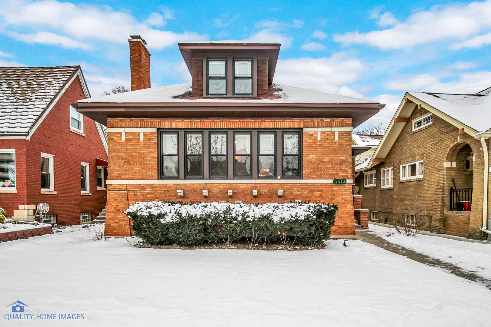 9813 South Hoyne Avenue, Beverly-Chicago in Cook County, IL 60643 Home for Sale