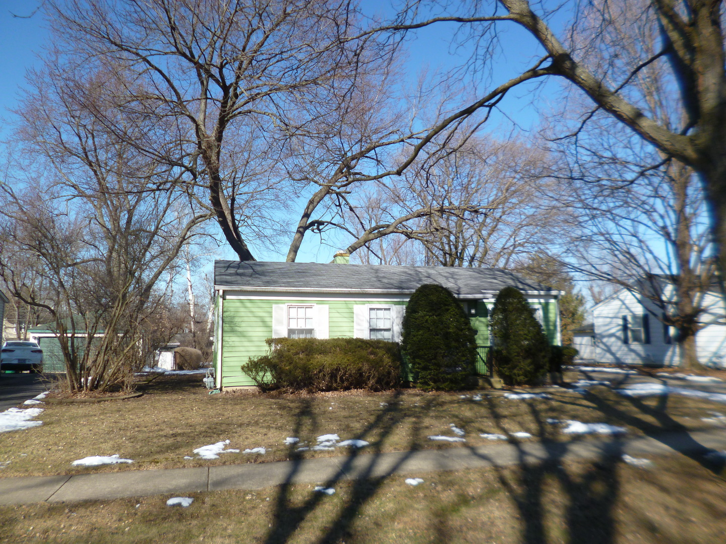 124 Forest Place, Buffalo Grove in Cook County, IL 60089 Home for Sale