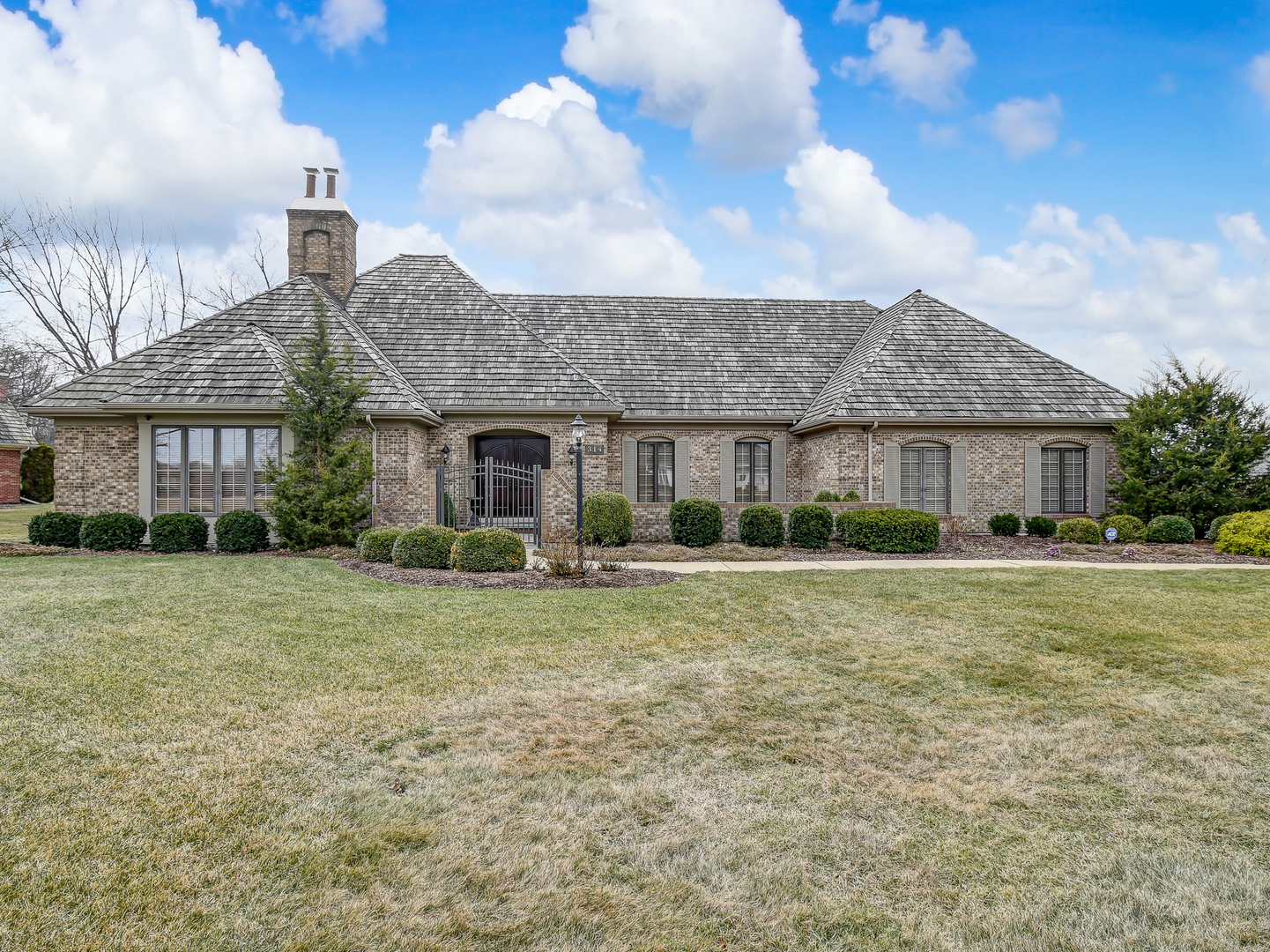 314 LAKEWOOD Circle, Burr Ridge in Du Page County, IL 60527 Home for Sale