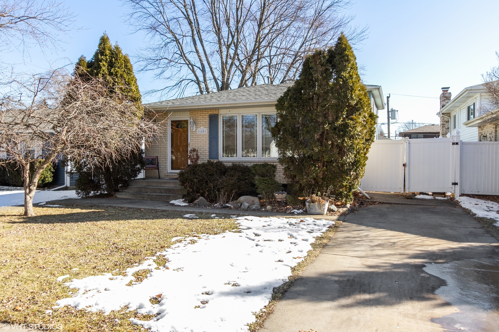 16801 92nd Avenue, Orland Hills, Illinois 3 Bedroom as one of Homes & Land Real Estate