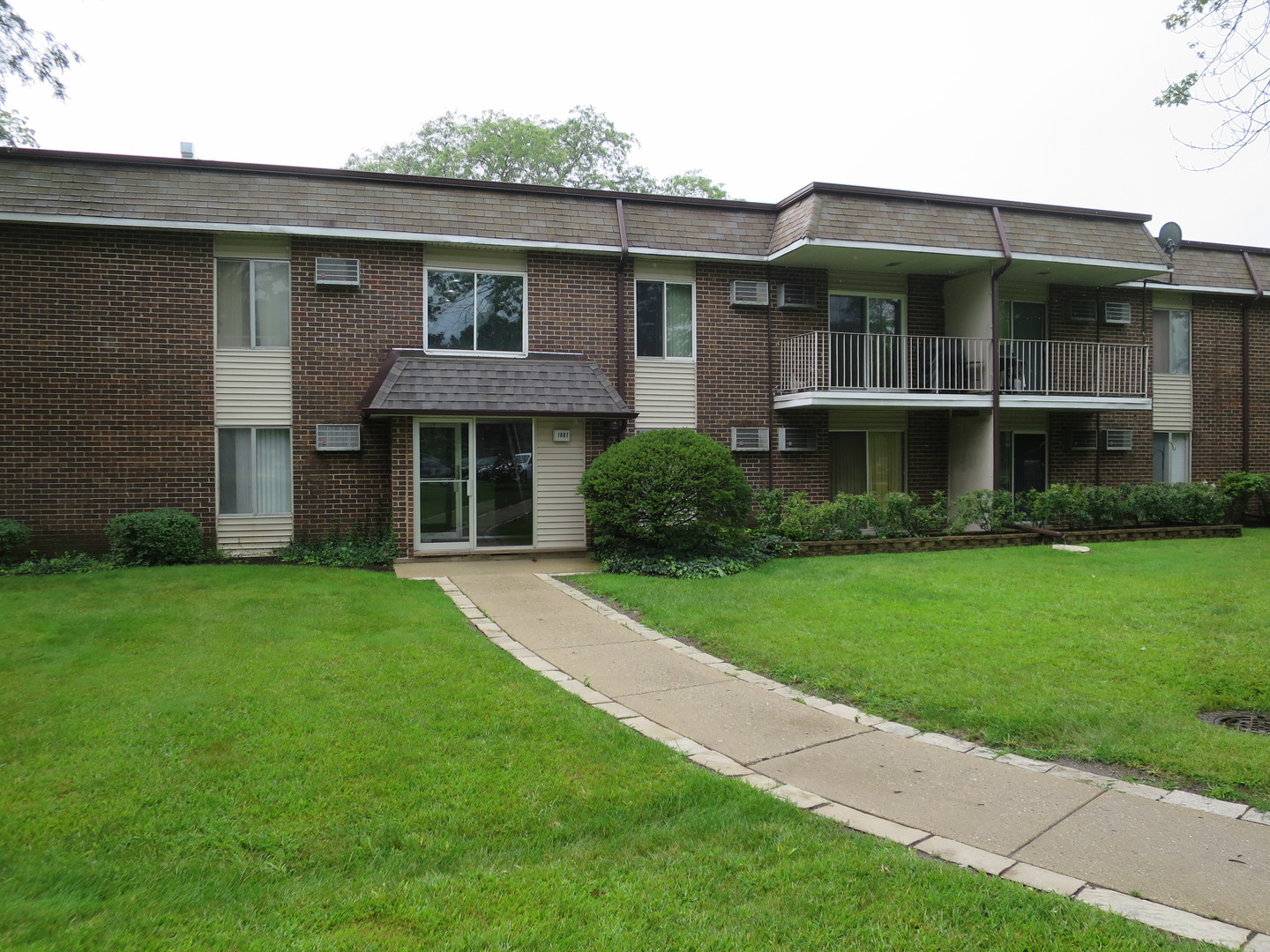1087 MILLER Lane, Buffalo Grove in Cook County, IL 60089 Home for Sale