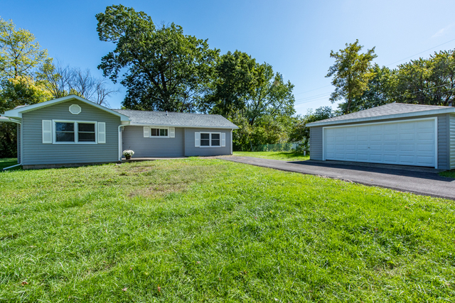 43363 North Forest Drive, Antioch, Illinois