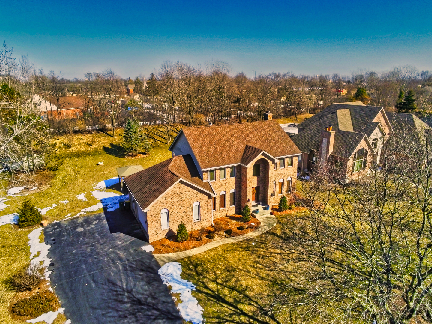 25837 North ARROWHEAD Drive, Mundelein, Illinois