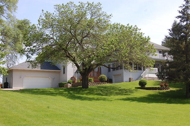 25596 West GRASS LAKE Road, Antioch, Illinois