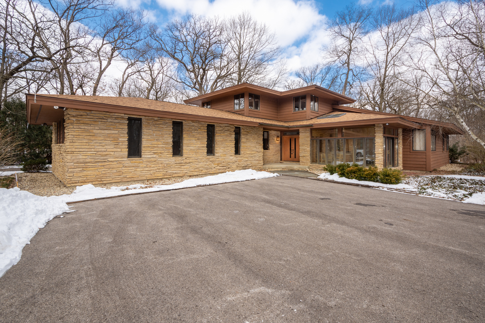 19844 West Woodmere Terrace, Antioch, Illinois