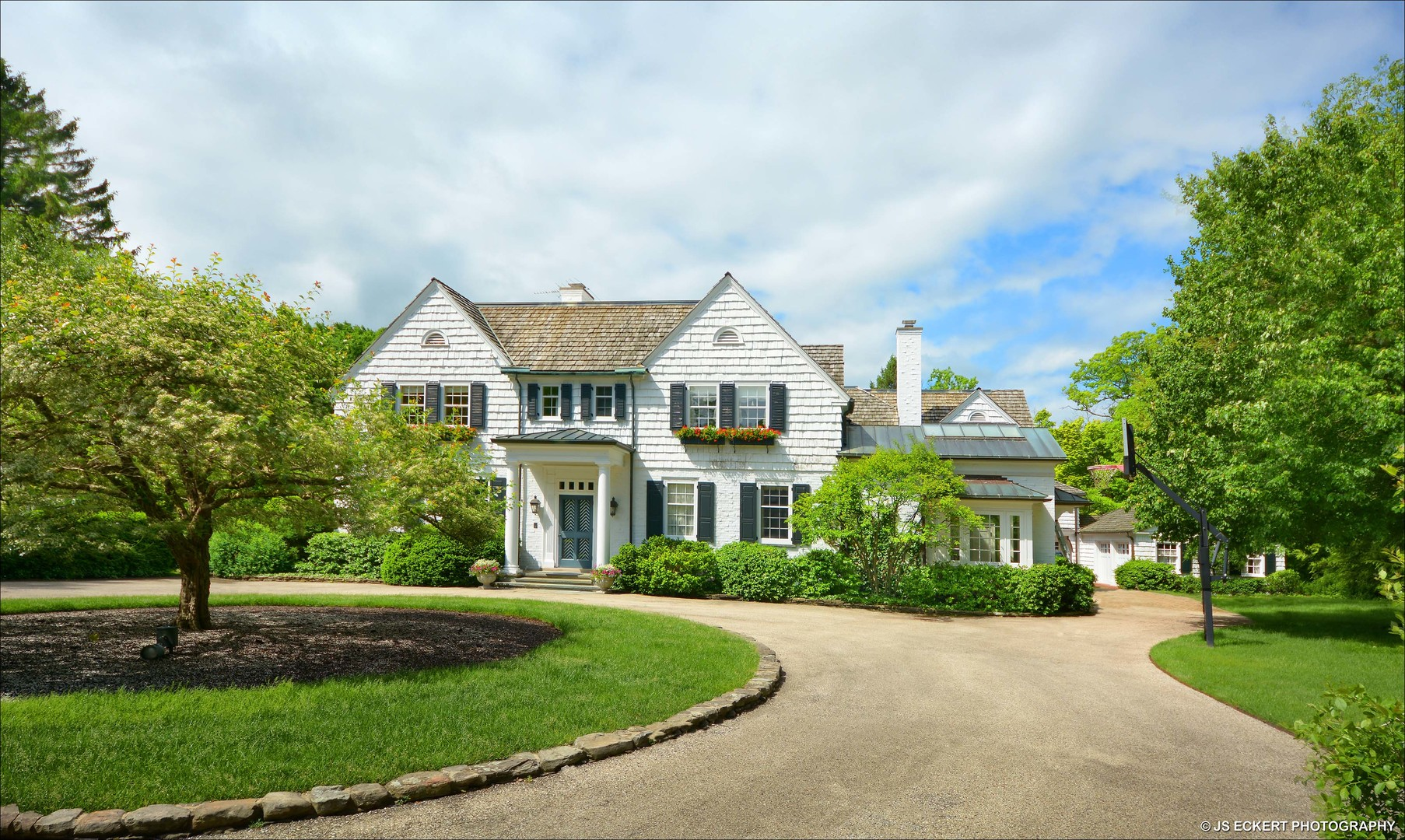 700 North Mayflower Road, Lake Forest, Illinois