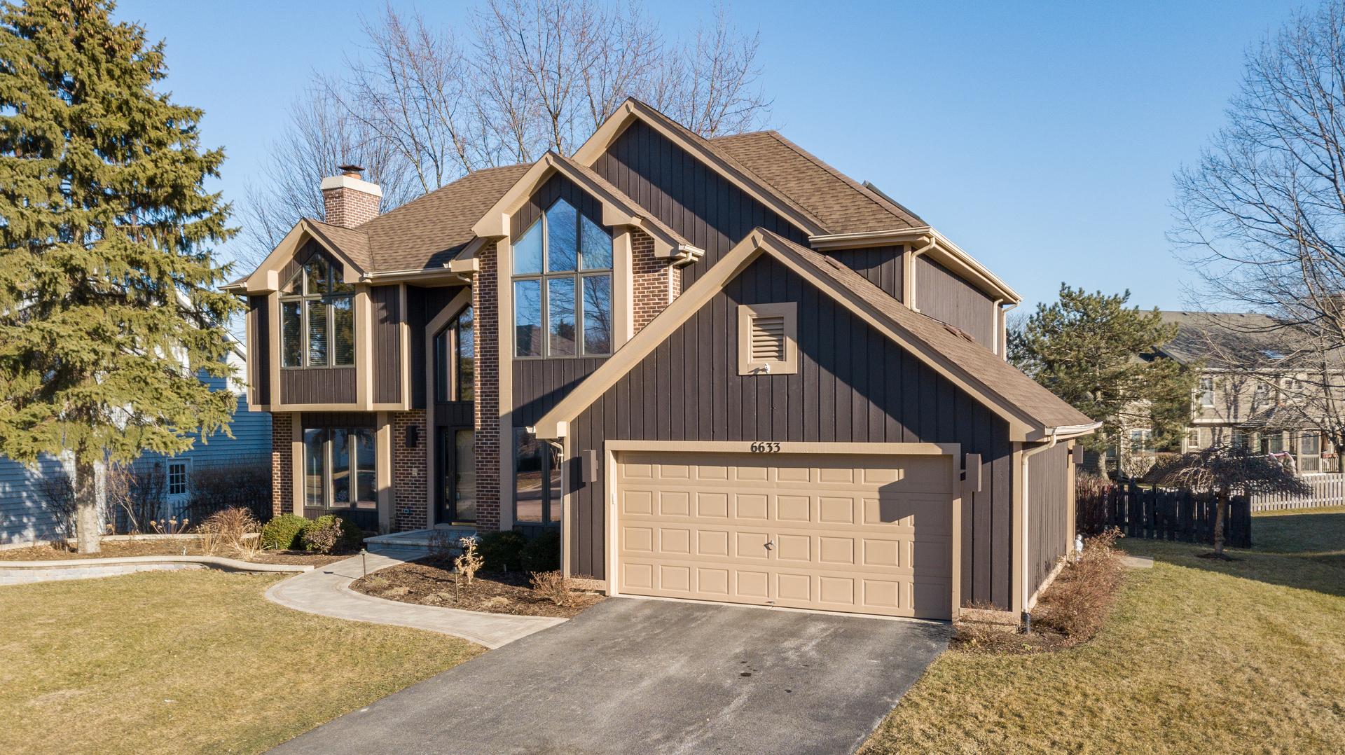 6633 Chick Evans Lane, Woodridge, Illinois
