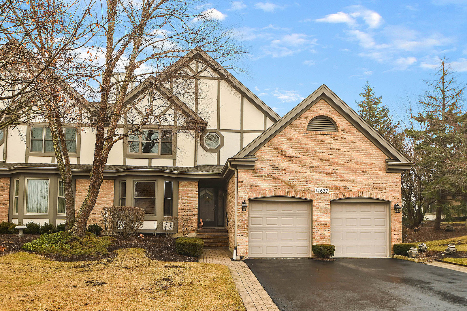 14637 Golf Road, Orland Park, Illinois