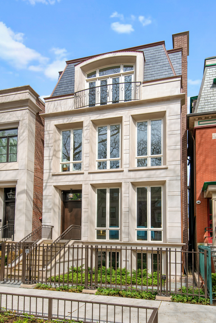 1815 North CLEVELAND Avenue, one of homes for sale in Chicago-Near West Side