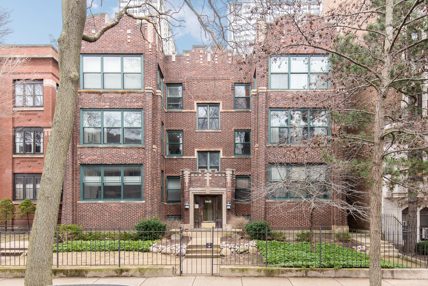 5445 North Kenmore Avenue, Edgewater, Illinois
