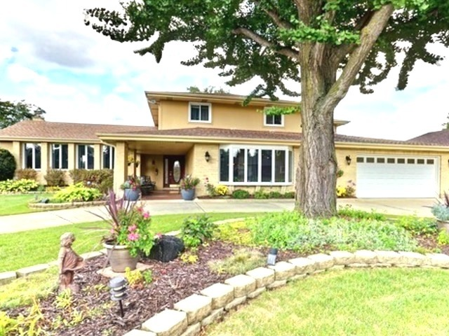 397 Meadowlark Road, Bloomingdale in Du Page County, IL 60108 Home for Sale