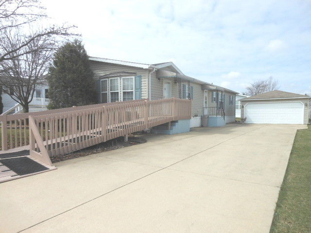 22948 South Pine Valley Drive, Frankfort in Will County, IL 60423 Home for Sale