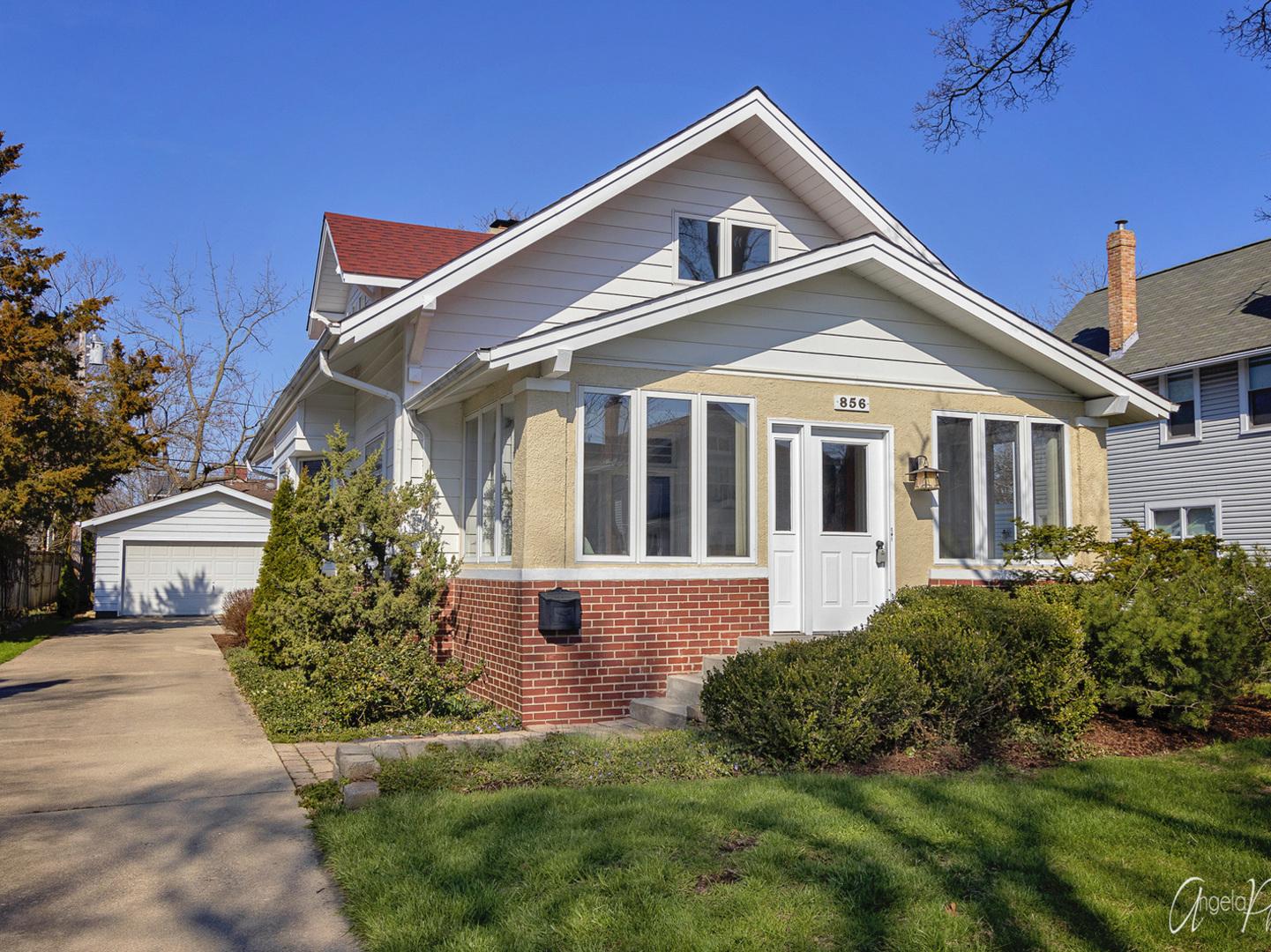 856 Oakwood Avenue, Lake Forest, Illinois