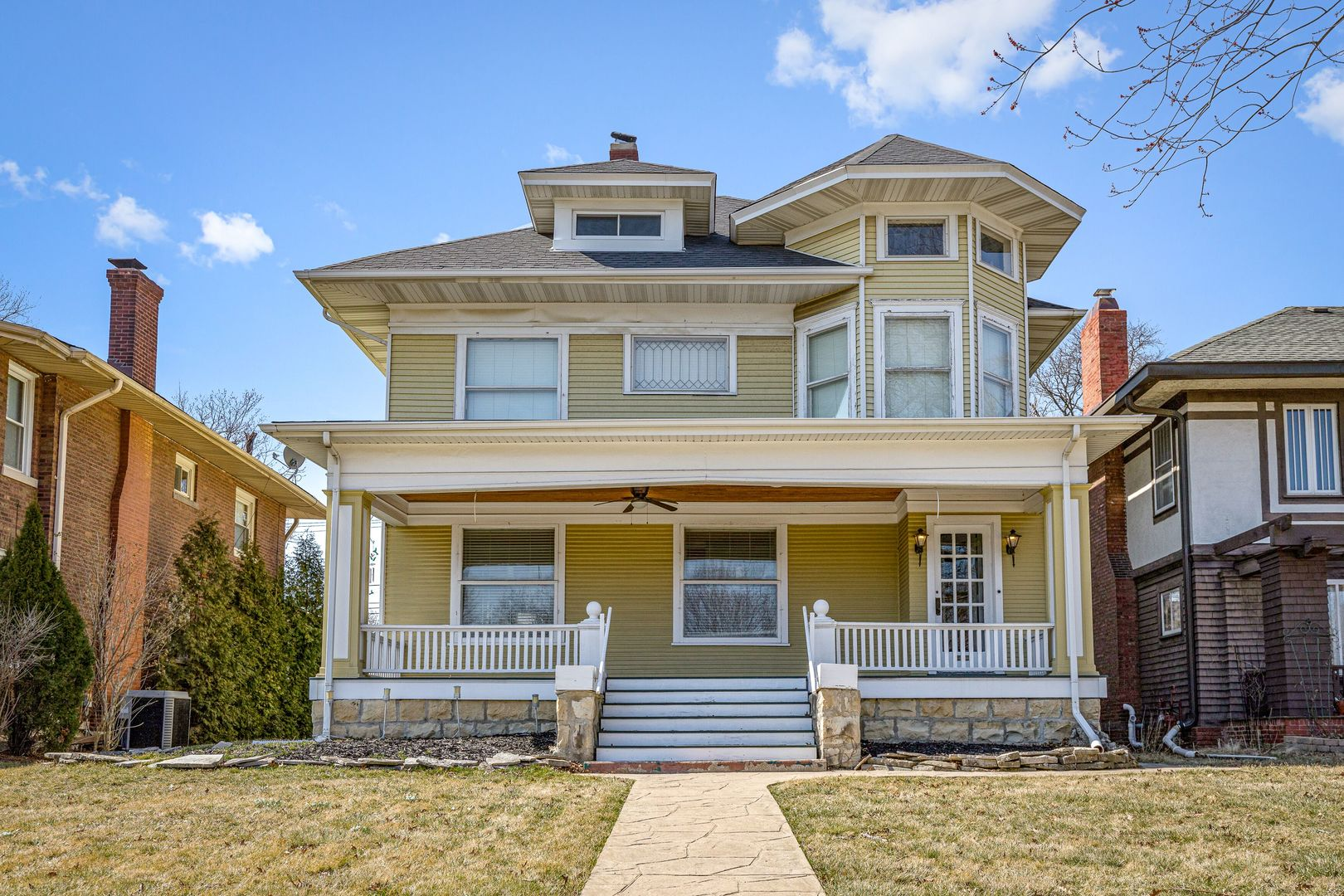 9644 South Longwood Drive, Beverly-Chicago, Illinois