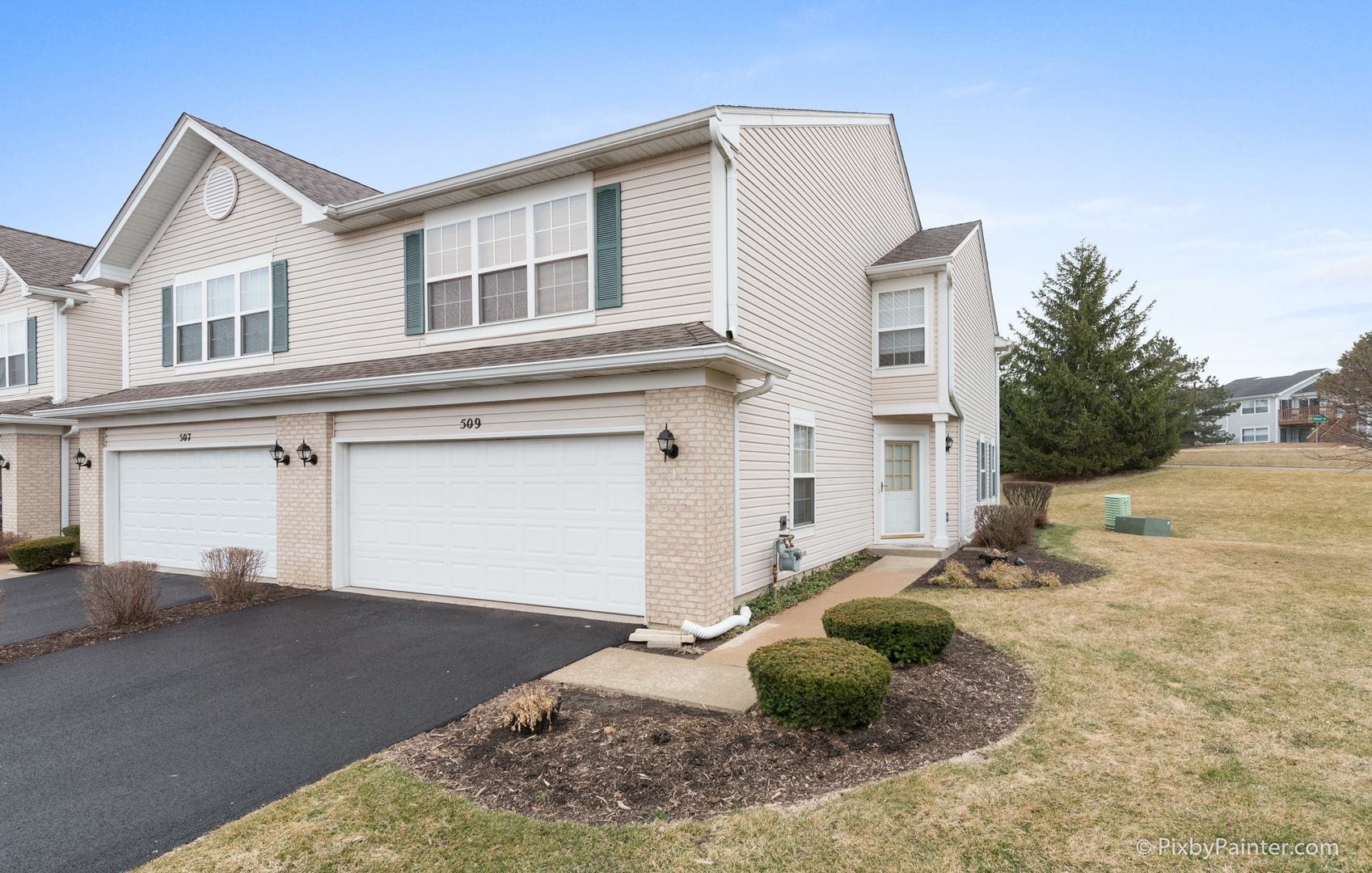 509 Windham Cove Drive, Crystal Lake, Illinois