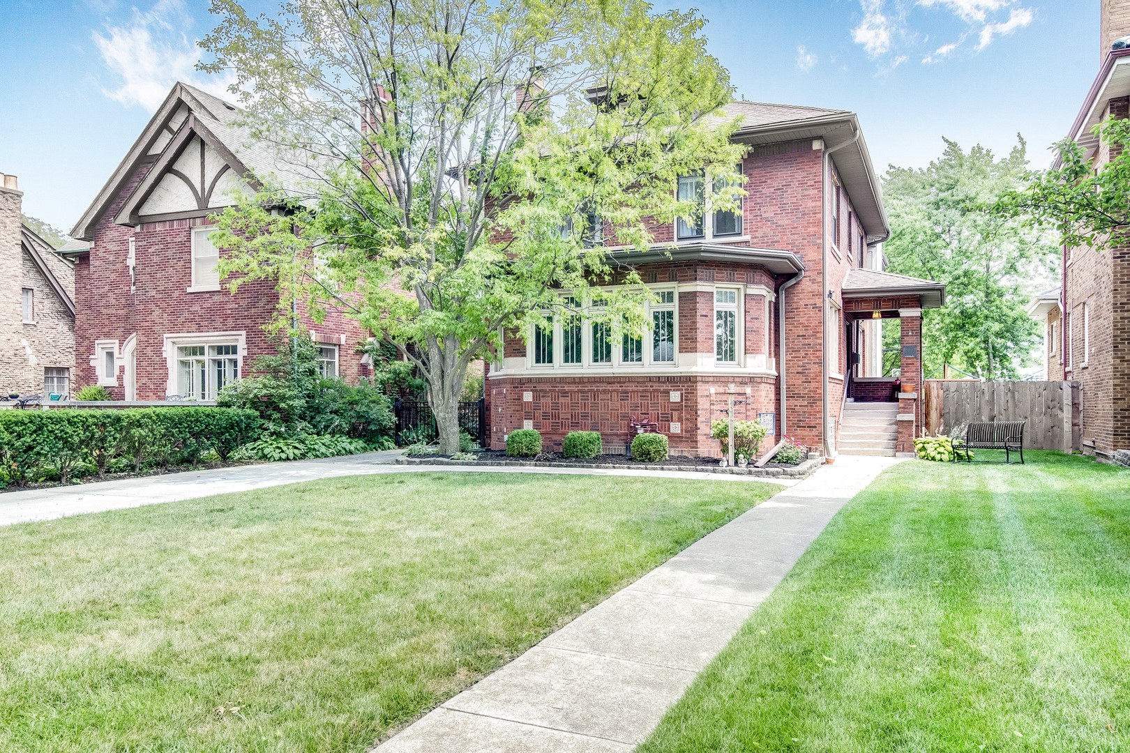 10117 South Hoyne Avenue, Beverly-Chicago in Cook County, IL 60643 Home for Sale