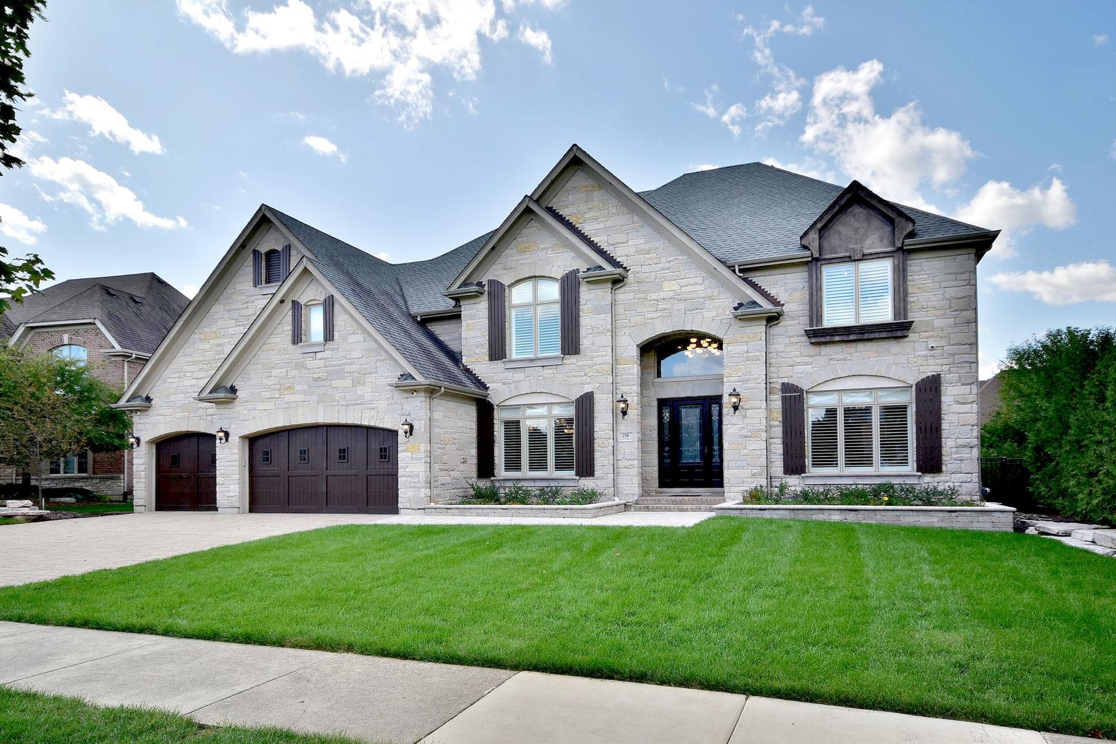 156 Los Lagos Drive, Bloomingdale, Illinois