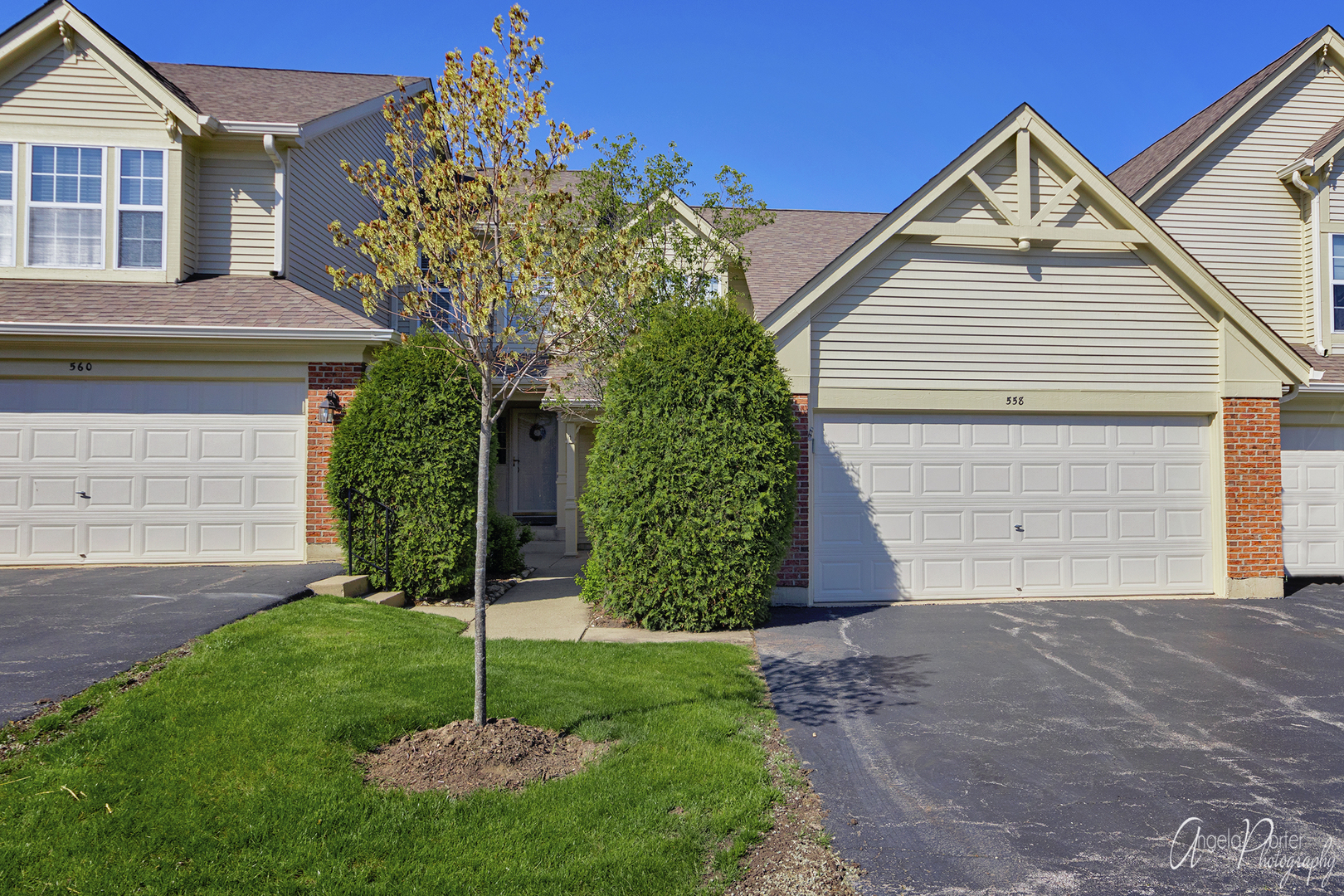 558 Portsmith Court, Crystal Lake, Illinois