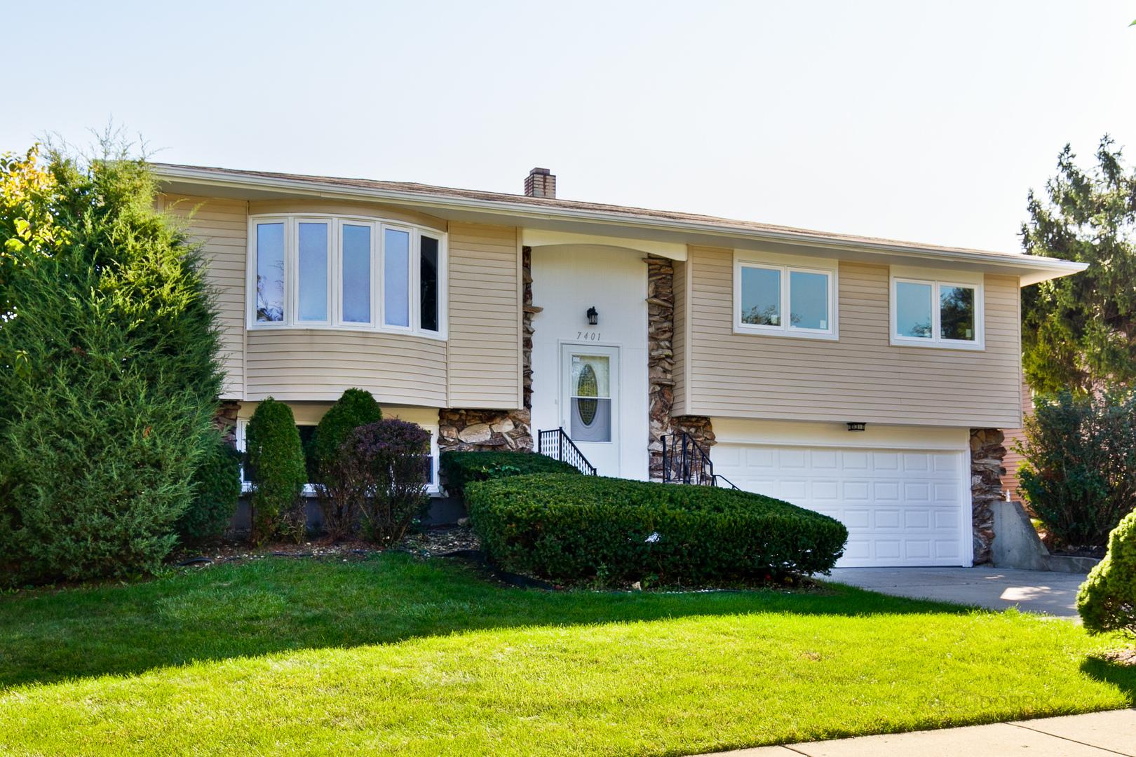 7401 East Avenue, Hanover Park, Illinois
