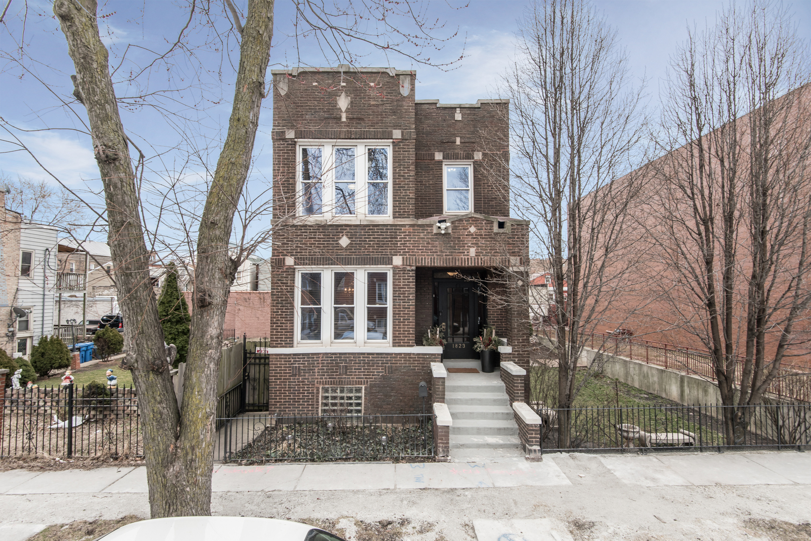 1823 West 22nd Place, Chicago-Near West Side, Illinois