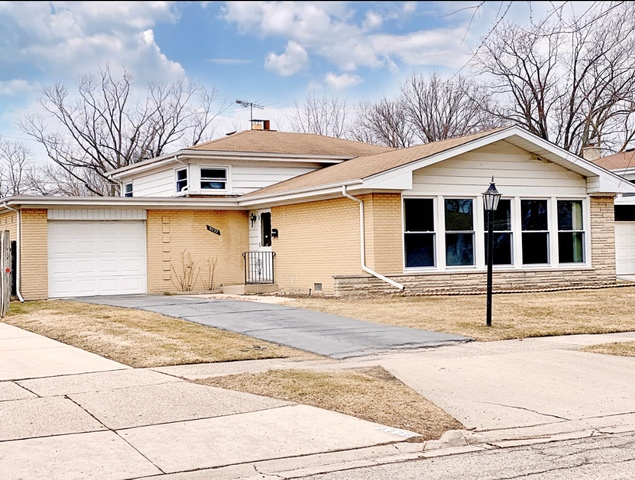 9232 Mason Avenue, Morton Grove, Illinois