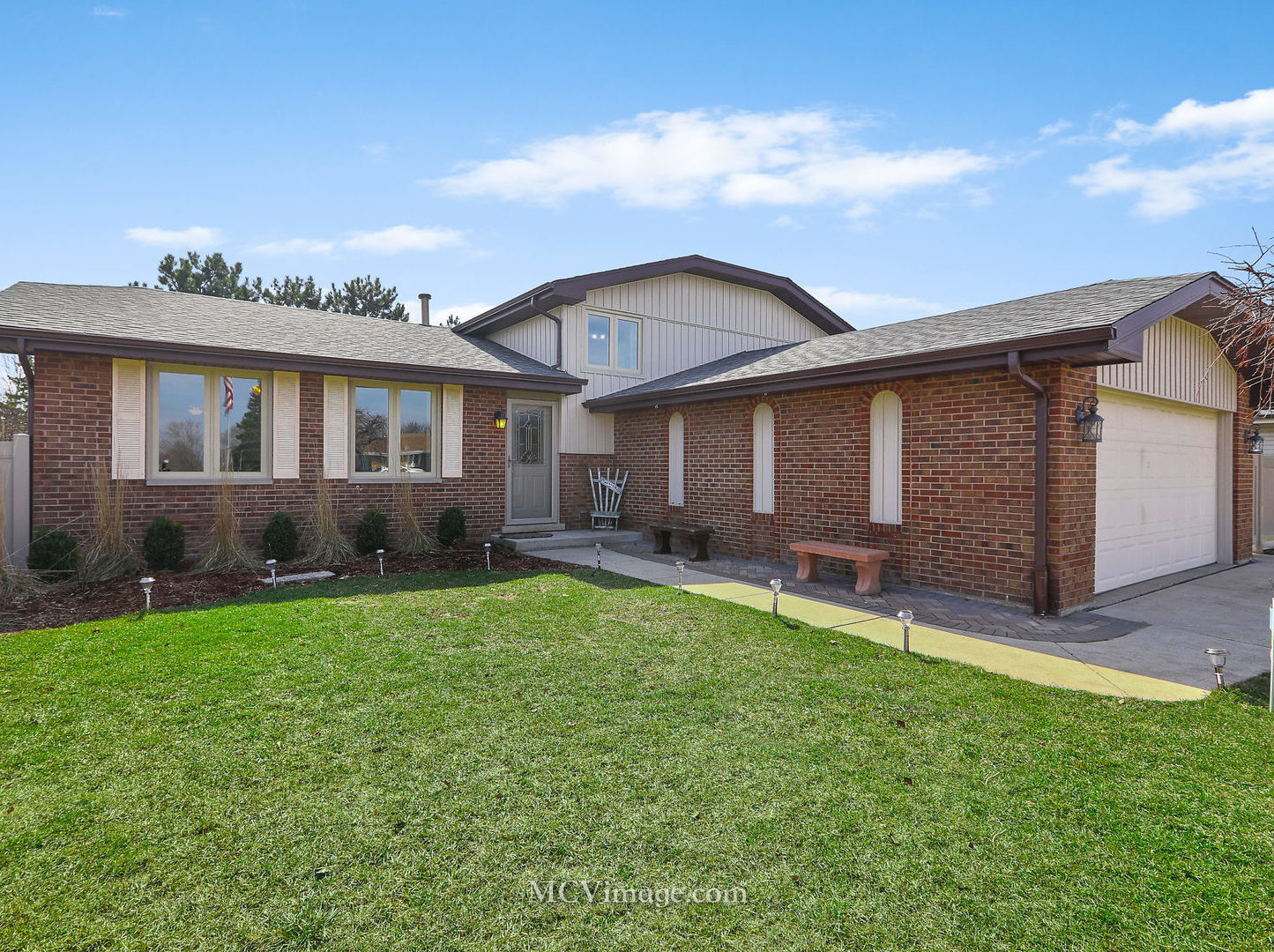14844 South Cricketwood Drive, Homer Glen in Will County, IL 60491 Home for Sale
