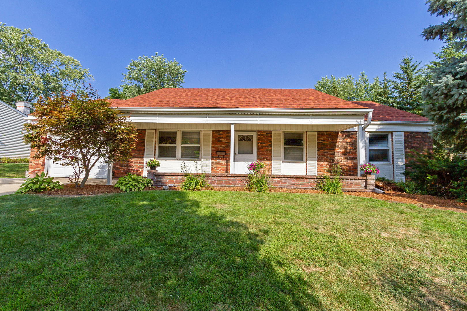 307 Wickham Drive, Schaumburg in Cook County, IL 60194 Home for Sale