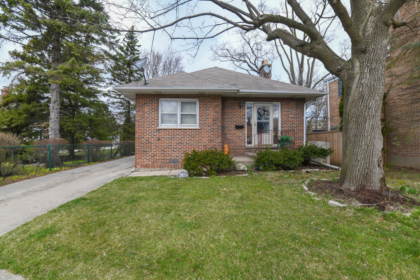 897 DEERFIELD Road, Highland Park in Lake County, IL 60035 Home for Sale