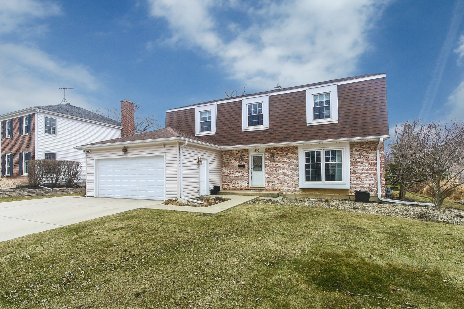 910 KNIGHTSBRIDGE Lane, Schaumburg in Cook County, IL 60195 Home for Sale