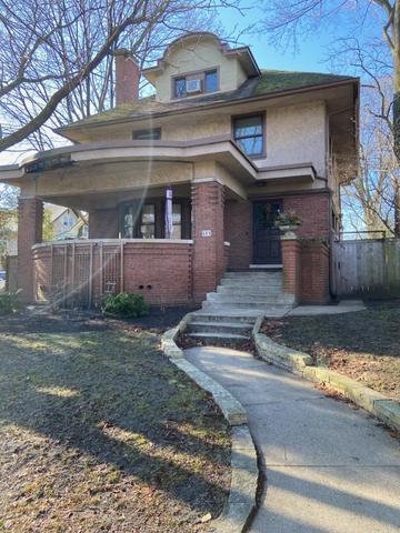 864 SHERIDAN, Evanston, Illinois