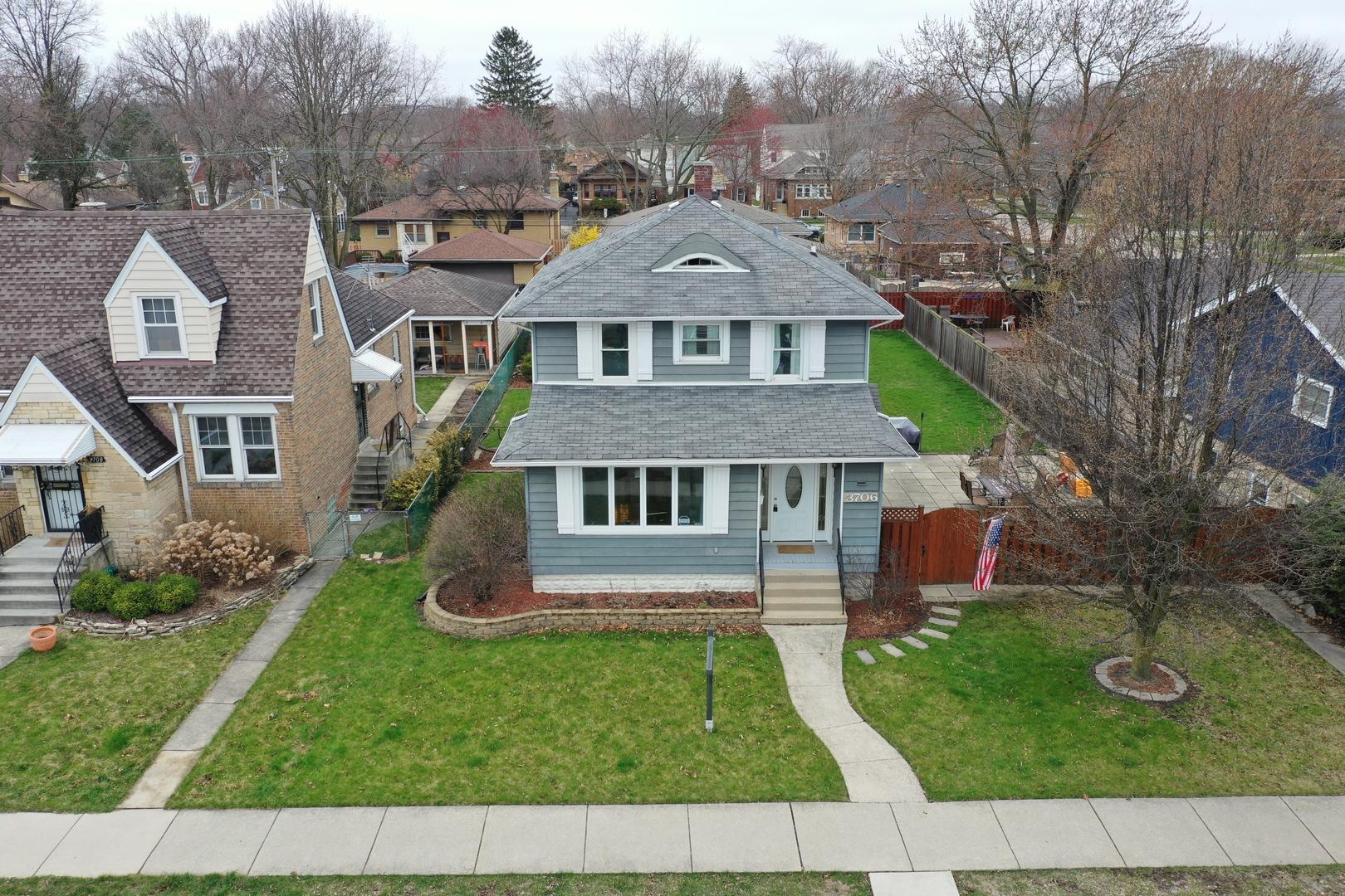 3706 Maple Avenue, Brookfield, Illinois