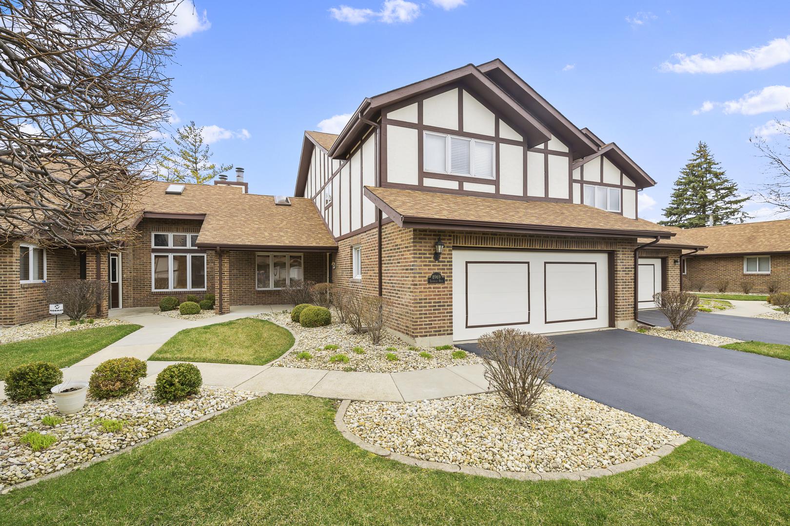 8969 Silverdale Drive, Orland Park, Illinois
