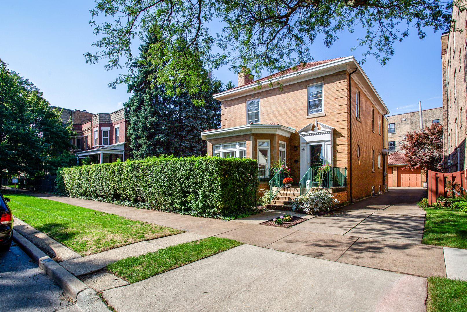 5550 North Paulina Street, one of homes for sale in Chicago Uptown