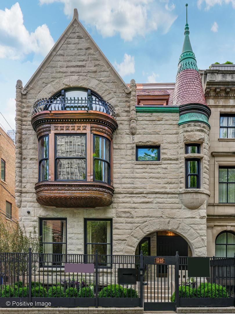 1246 North Astor Street, Near North Side Chicago, Illinois