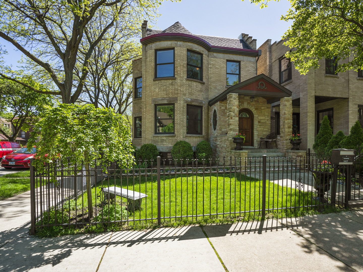 5457 North Wayne Avenue, one of homes for sale in Edgewater